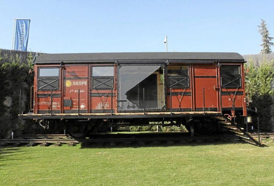 Casas en vagones de trenes. equipo aparejador